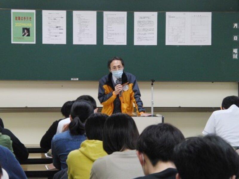 新3年生!!就職ガイダンスとマナー講座を受講しました。