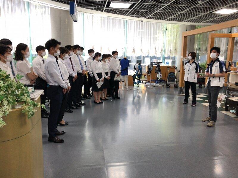 理学療法学科1年生が施設見学に行きました!