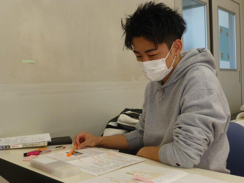 みんな勉強しています